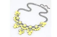 GR JEWELRY Wholesale Bohemia Rhinestone Necklaces Flowers For Women Fashion Necklaces(China (Mainland))