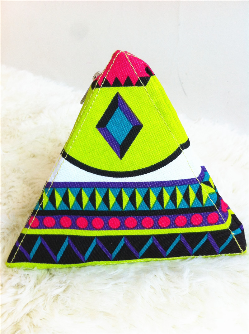 Free Shipping 2014 New Hot Selling Fashion Zipper Pyramid Color Block Geometry Triangle Bag Day Clutch Coin Purse(China (Mainland))