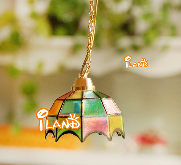 1/12 Dollhouse Miniature Dinning Room Ceiling Lamp LED Light Battery Operated LC013E classic toys(China (Mainland))