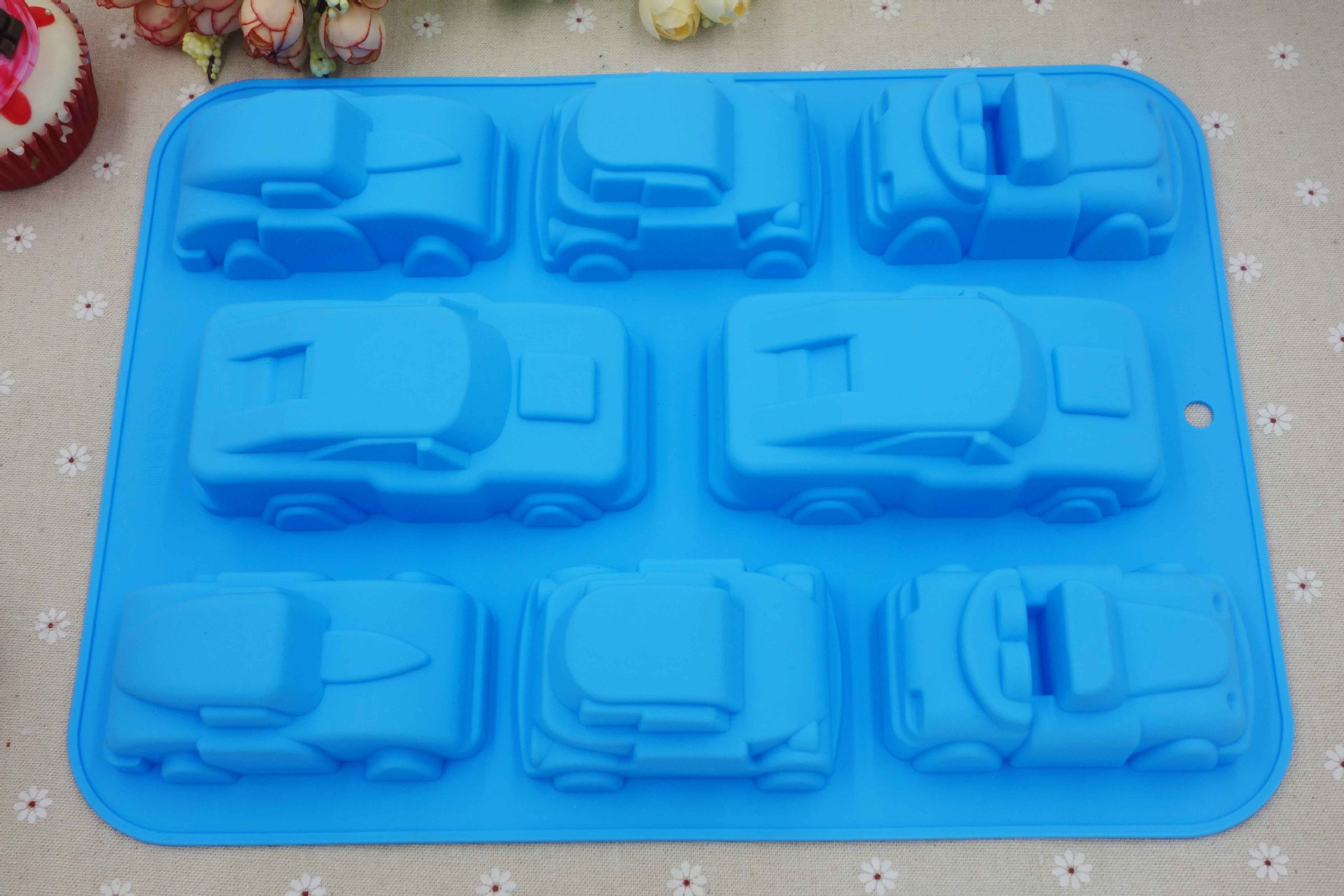 Car Molds For Cake Decorating : 8 car styling fondant cake molds soap chocolate mould for ...
