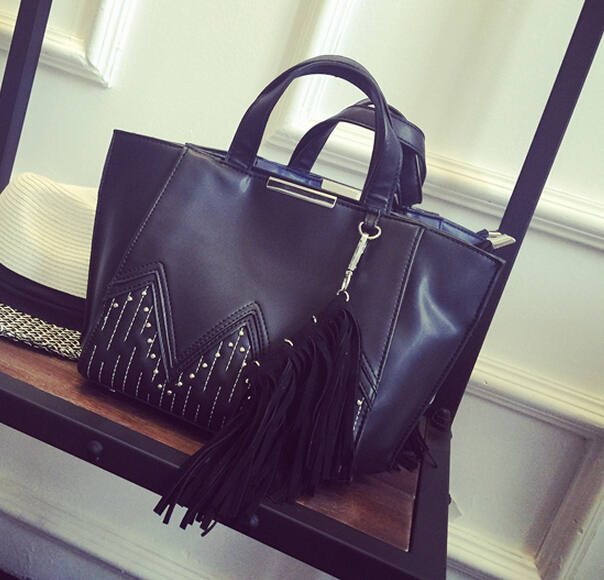 2015 Fashion Big Black Bag  Wings Fringed Shoulder Bag Pu Leather Women Handbags Tassel Rivet Bag bolsa feminina AB66 <br><br>Aliexpress