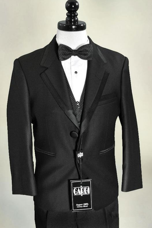 The price is just right on our discount boys formal wear from Sophia's Style. Find discount boys suits, discount boys tuxedos and discount boys dress clothing for your newborn, infant, toddler or little boy.