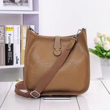 Двадцать четыре Для женщин Элитный бренд сумка Пояса из натуральной кожи н отверстие тенденции моды сумка на плечо леди личи шаблон сумка(China)