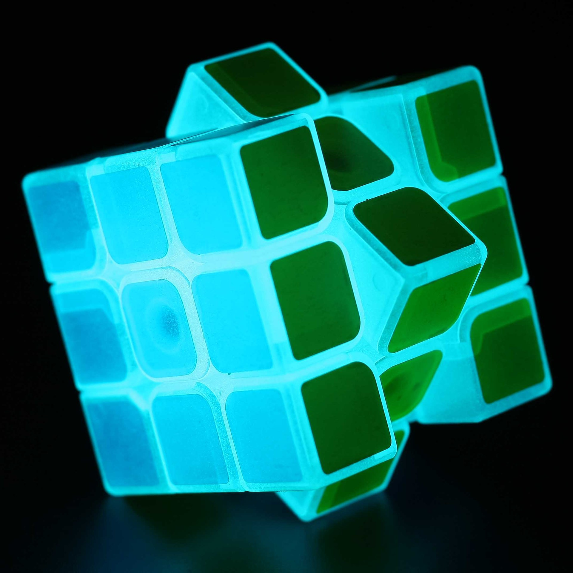 Magic Cube 3x3x3 Luminous Smooth Sticker Transparent Magico Cubo Puzzle Blocks Cube Challenge Educational Kids Gifts Toys 1305(China (Mainland))