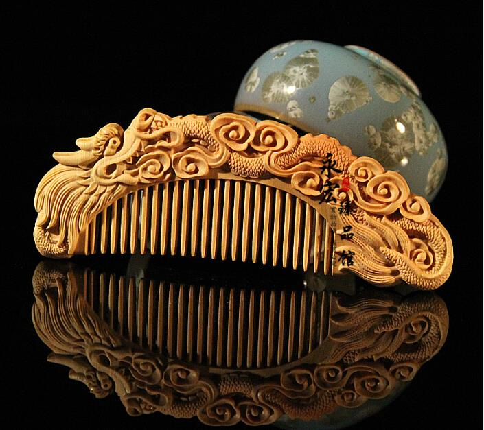 hot sell fine carved wooden comb 12*5cm,carving art boxwood comb Chinese dragon,anti-static head massage health care comb(China (Mainland))