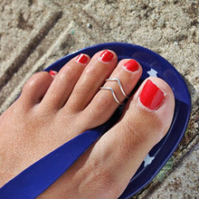 2015 Fashion Delicate Scintillant Hollow out Lady Unique Retro Silver Plated Nice Toe Ring V Shape Foot Beach Jewelry Hot Women