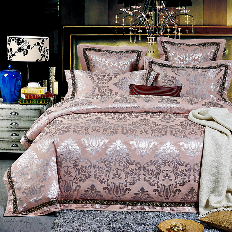 Luxury jacquard satin pink bedding comforter set king for Lit queen size taille