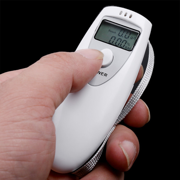 Manufactory Brand New Mini LED Digital Breath Accuracy Breathalyzer Alcohol Tester Analyser g/L Auto power off free shipping(China (Mainland))