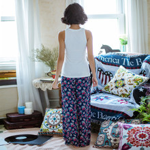 Retro print sexy song Riel Ms tracksuit trousers vest simple and comfortable casual pajamas Yang Wei