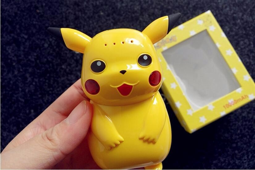 2016 hot selling Vocable Lovely cartoon 10000mah power bank  super Pikachu Pika pokemon portable battery With Pokepall Pendant
