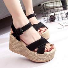 Boucle d'été femmes sandales velours troupeau poisson bouche mode talon haut plate-forme orteils ouverts femmes sandales chaussures livraison directe(China)