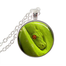Green snake necklace Indian national treasure photo animal jewelry glass cabochon pendant women silver plated jewellery men gift(China (Mainland))