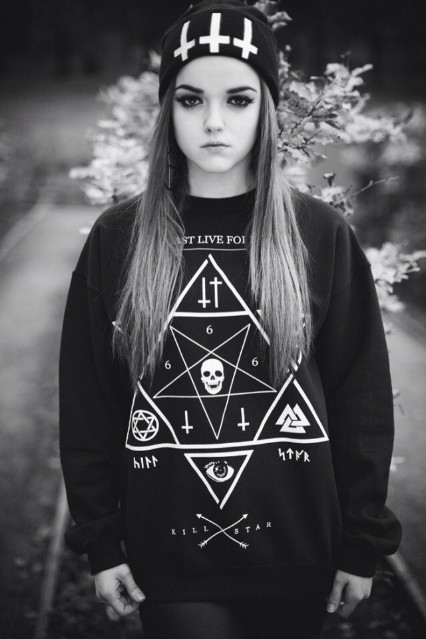 East Knitting OT-002 harajuku style Star print hoodies Skull Cross sweatshirts 2015 winter new pullover plus size free shipping(China (Mainland))