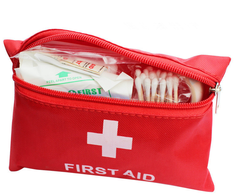 Professional First Aid Kit Bag Outdoor Nylon Waterproof Medical Bag For Emergencies(China (Mainland))