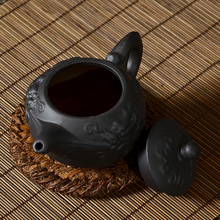 2015Teapots Yixing purple clay tea cup hand pull black kettle home tea set Water dragon pot
