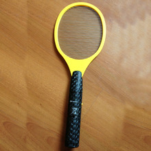 Hot 2AA Battery Electric Bug Zappers Electronic Mosquito Racket Fly Racket Handled Fly Racket Mosquito Zapper Picnic BBQ Tool(China (Mainland))