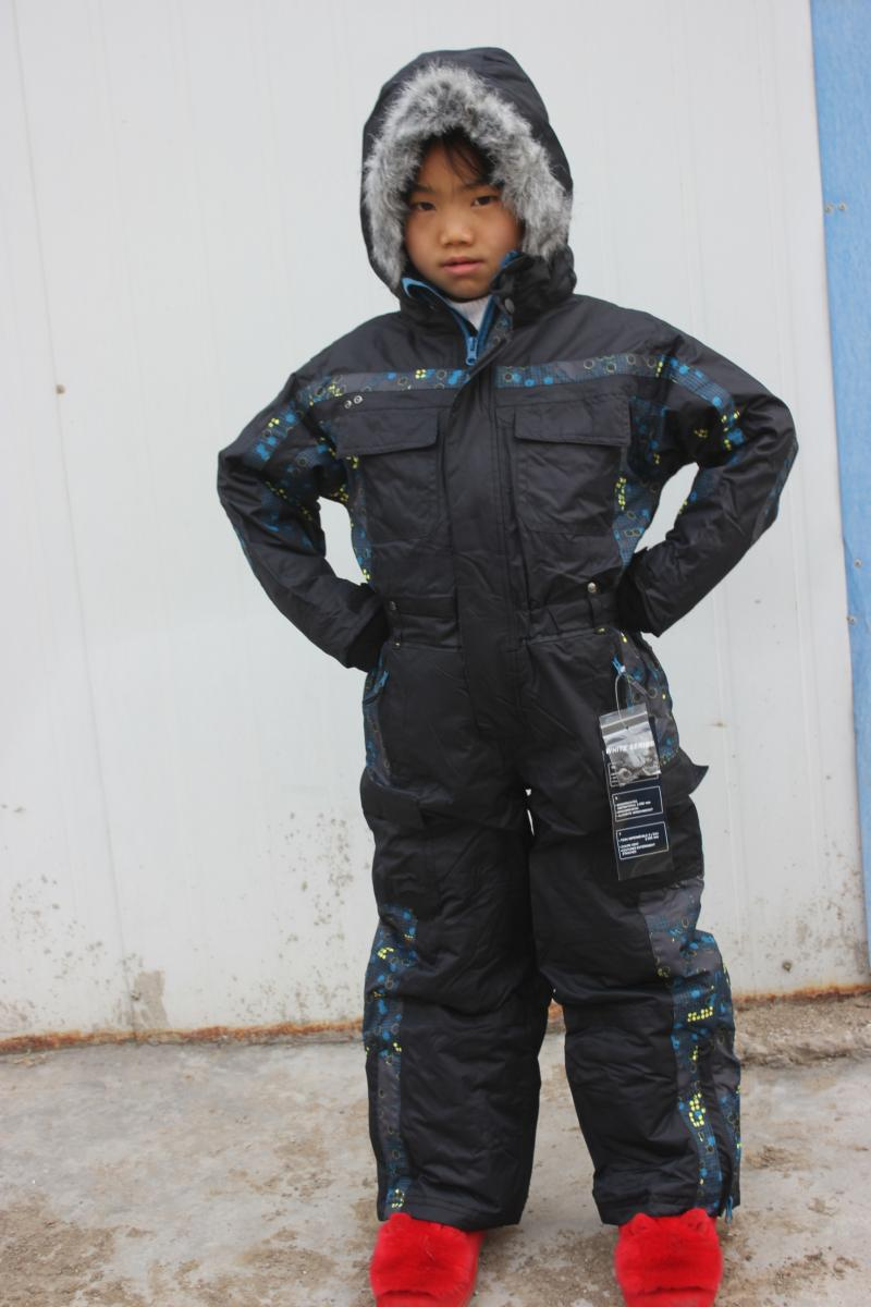 Trespass Kids Ski Pants are great for the little ones for the skiing holidays or simply for staying warm and dry during the winter months. Like most kids, if your children love playing in the snow, then kids ski salopettes are a must.