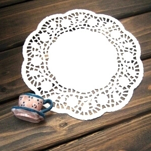 250pcs/lot 6.5'' Rose Round White Paper Lace Doilies Placemat Craft Doyleys Wedding Tableware Decoration Party Supply(China (Mainland))