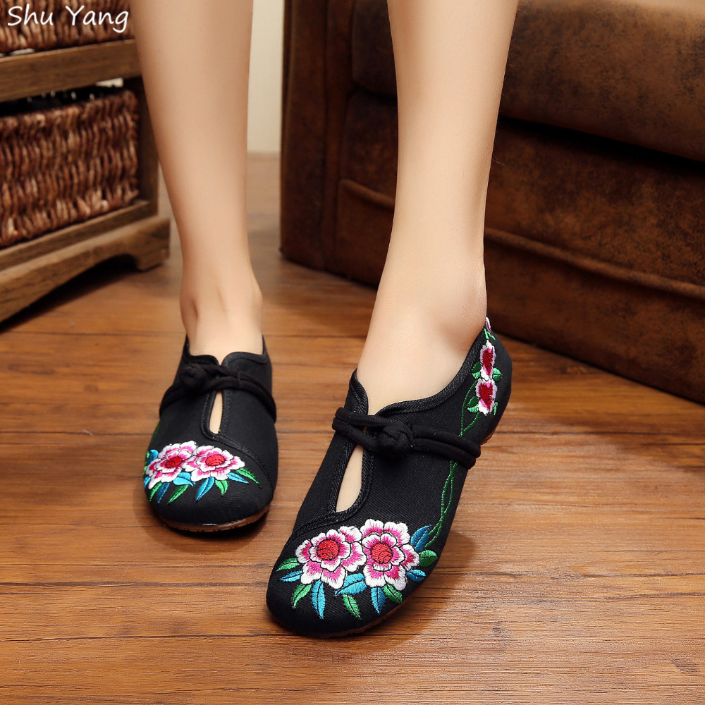 Big Size 41 Fashion 2015 Autumn Shoes Woman,zapatos mujer Old Peking Flats Flower Embroidery Soft Sole Shoes sapato feminino(China (Mainland))