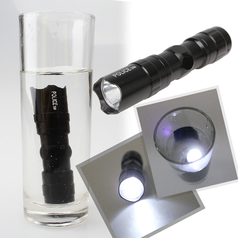 Гаджет  New Hot Mini Handy LED Waterproof Torch Flashlight Light Lamp White color option means Silver The Cold White option means Black None Свет и освещение
