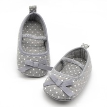 Fancy Baby Items Dotted Bow Shaped Princess Baby Shoes Color Gray Sizes S M L Drop Shipping BB0003(China (Mainland))