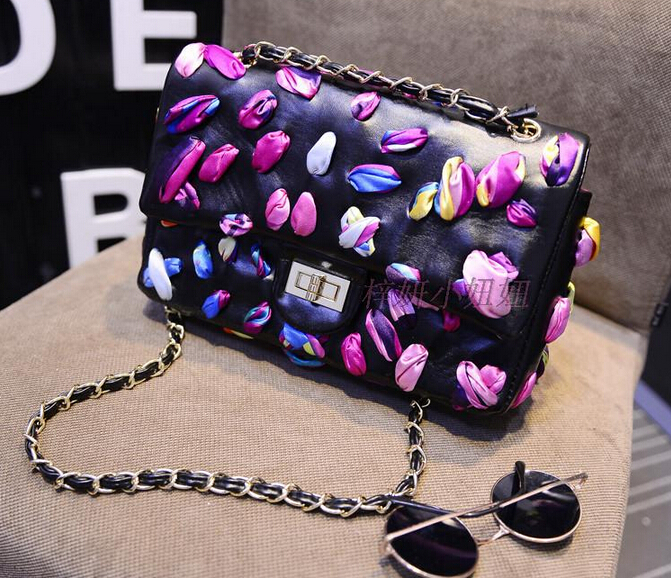 The new 2015 classic scarves Shuttle colored petals bag chain bag handbag runway looks(China (Mainland))