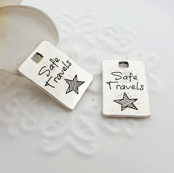 """10pcs/lot 14*21mm Antique Silver plated Pewter Jewelry charm with words""""Safe Travels """" for DIY jewelry(China (Mainland))"""
