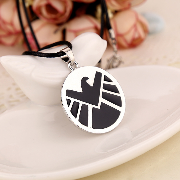 Explosion Models EBAY Avengers Men Necklacenecklace Agents Of S.H.I.E.L.D. Men's Jewelry With Necklace Factory Direct(China (Mainland))