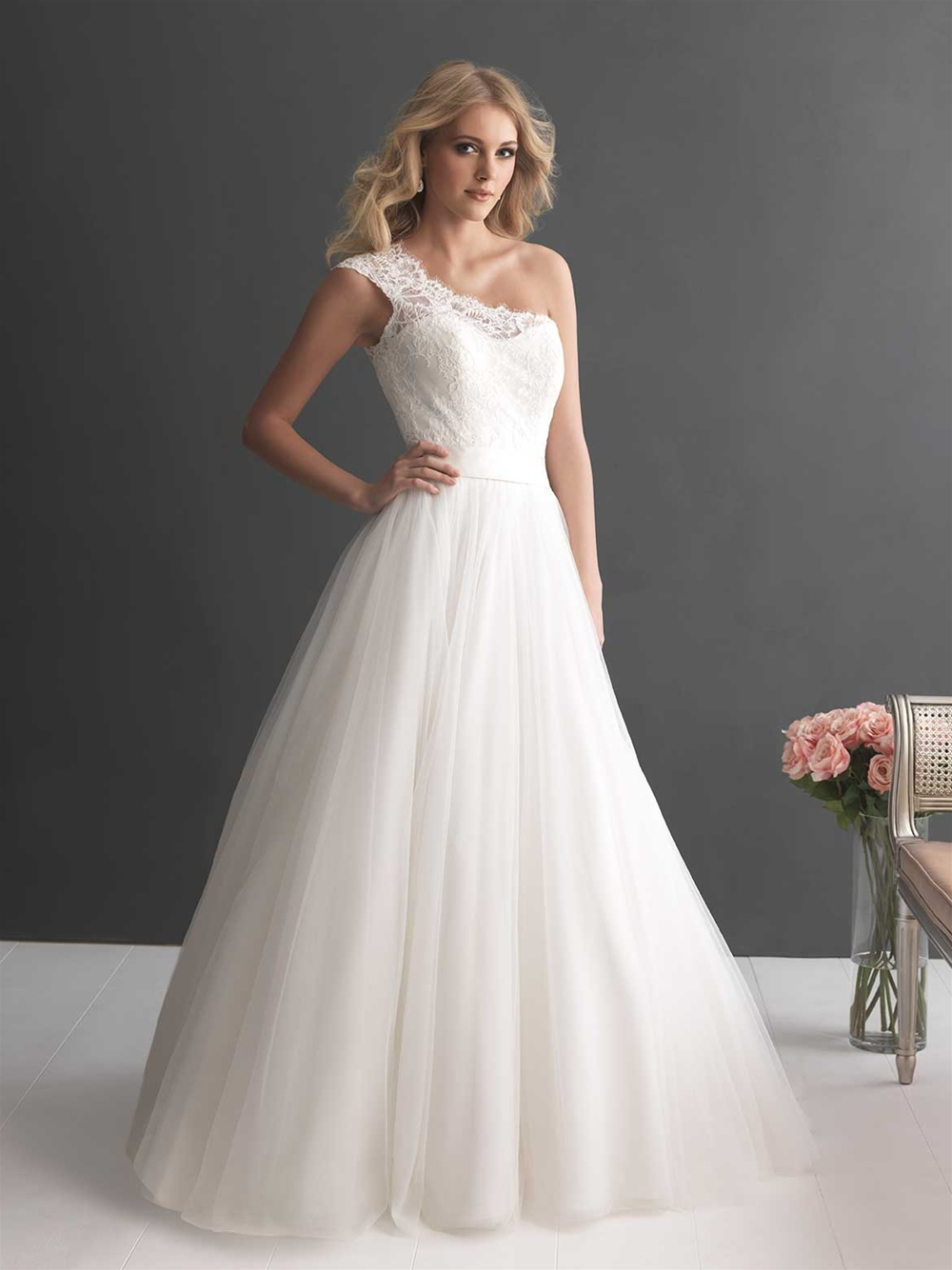 Chinese country lace wedding dress one shoulder tulle for Lace shoulder wedding dress