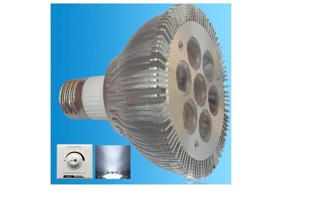 Dimmable led PAR30 Spotlight;with triac dimmer;E26/E27 Base;7*1W;Bridgelux Chip;CCT:2800K,4500K,6500K;450lm