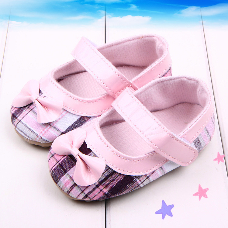 2015 Little Girl's Vinyl Ballet Soft Sole Shoe with Bowtie Prewalker for New Born Baby Toddlers First Walking Shoes Brand New(China (Mainland))