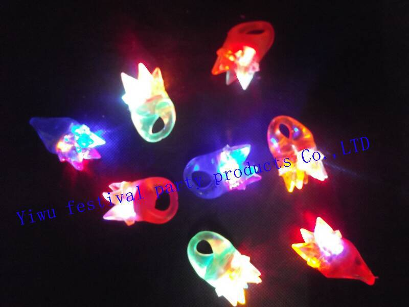 free shipping led Blinking light up soft rubber crown shaped finger ring china supplier(China (Mainland))