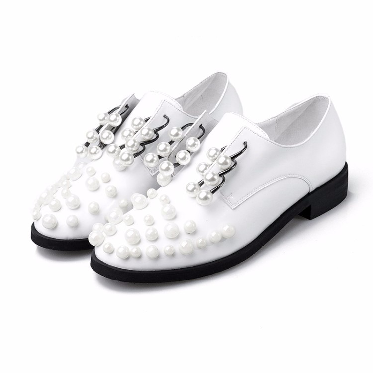 Luxury Pearl Oxford Shoes Woman flats Blue white black 2017 Fashion crystal lace-up British style Brogue Oxford shoes women flat