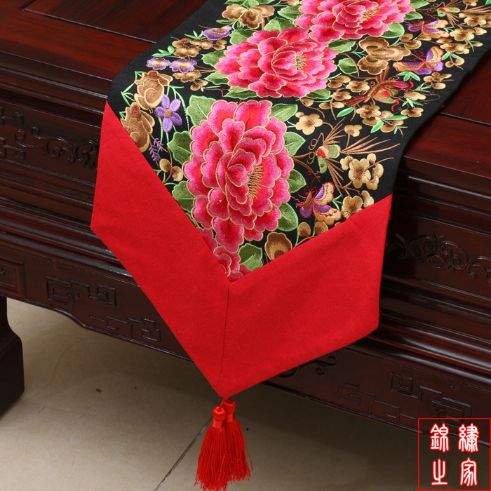 200*33cm Chinese Classic Luxurious embroidered Peony Pattern Brocade Green Table Runner and Bed Flag(China (Mainland))