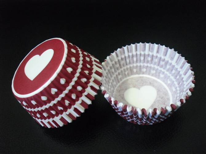 Free Shipping 100pcs Red heart/Pink heart wedding Paper Cupcake Liners muffin baking Cup cake mold Wrapper for valentines day(China (Mainland))