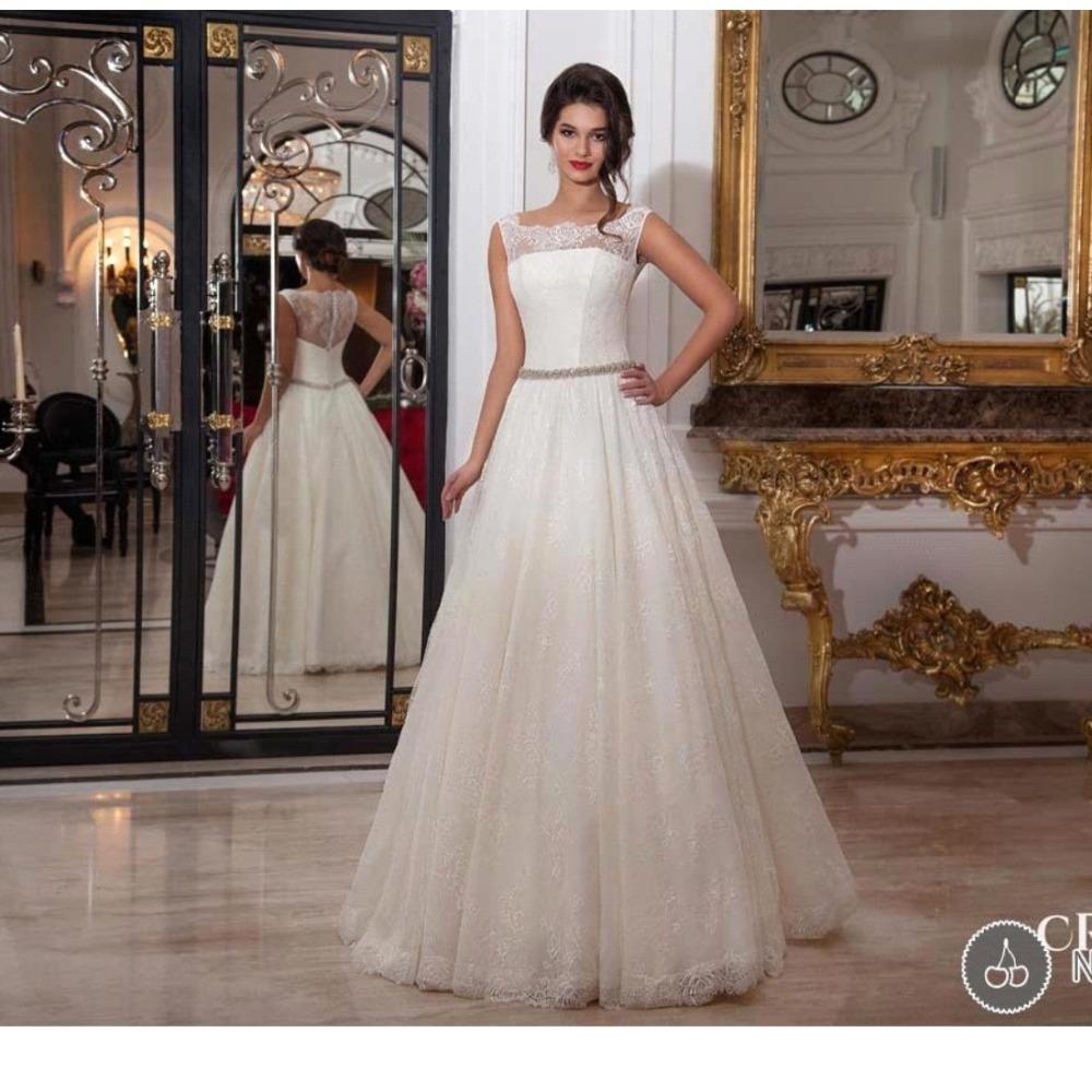 Trendy 2016 Ivory Lace Wedding Dresses Beaded Waist