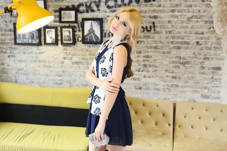 Fashion 2015 spanish ladies snood scarf necklace women fringe tassel spring beach wear bag with soft acrylic scarves(China (Mainland))