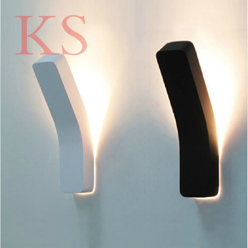 Modern wall lamp black/white  LED painted ironThe coffe bar restaurant shop wall decorating light fixture<br><br>Aliexpress