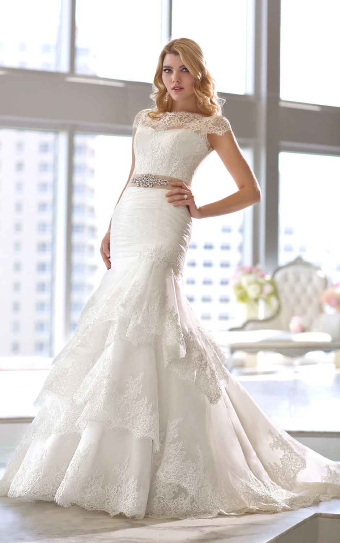 Royal Organza and lace trumpet wedding dress comes with a ... Lace Trumpet Wedding Dresses With Sleeves