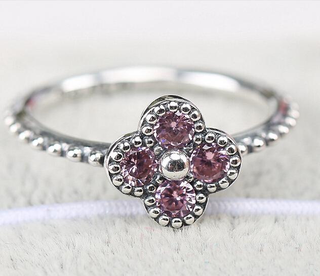 anillo pandora trebol