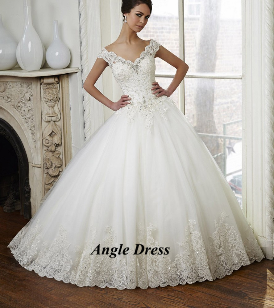 Latest design white lace ball gown wedding dresses v neck for Designer ball gown wedding dresses