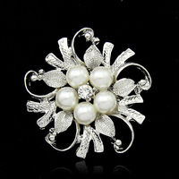 SILVER FLOWER BROOCH CRYSTAL RHINESTONE DIAMANTE WEDDING BROACH BRIDAL PARTY PIN