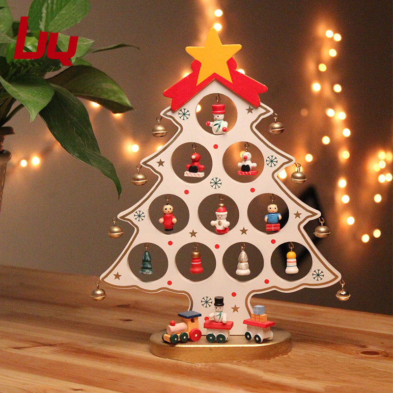 mesa de jardim jumbo:Mini Christmas Tree as a Decoration Table