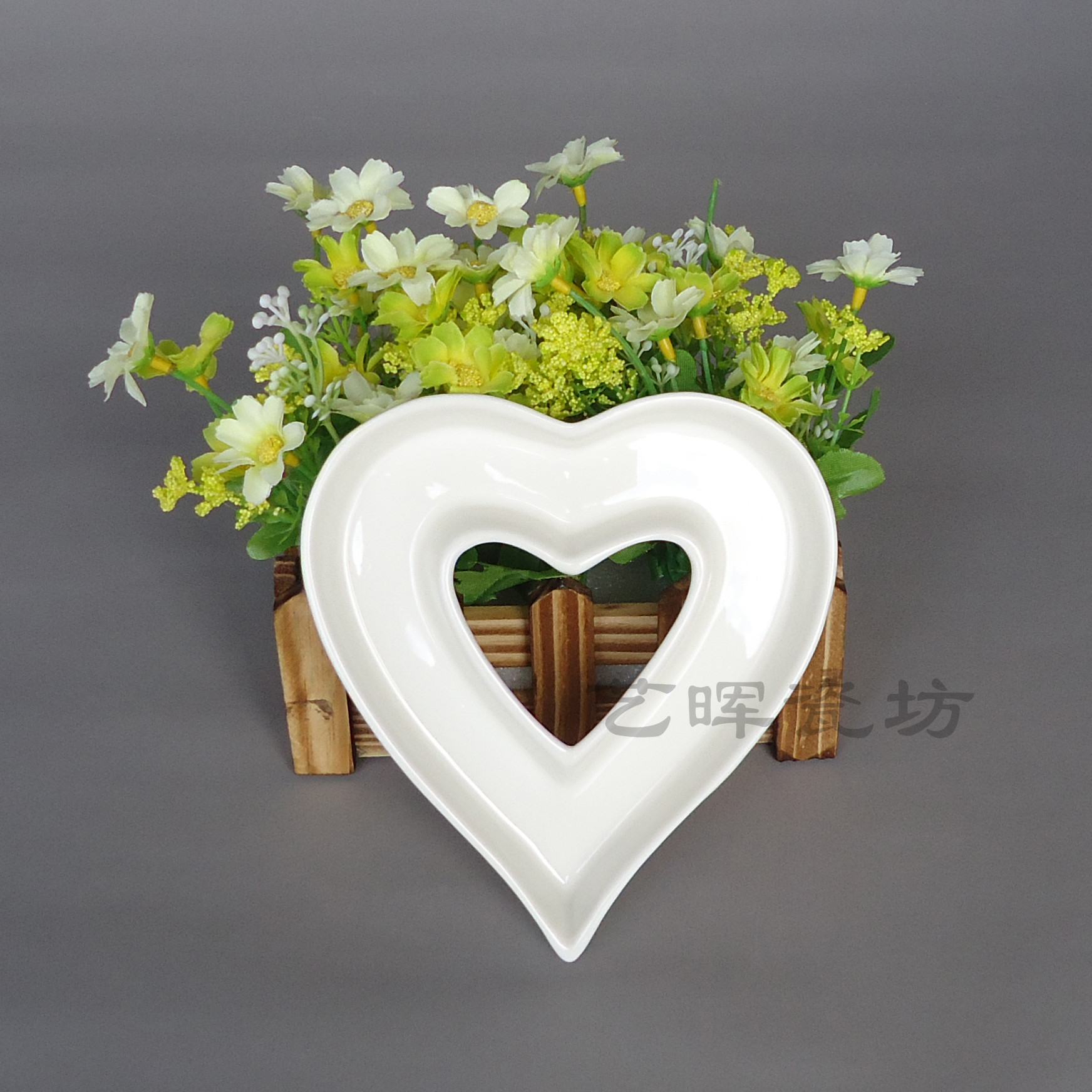 Heart shape ceramic letter dishes, Hot sale, Wholesale, Factory price(China (Mainland))