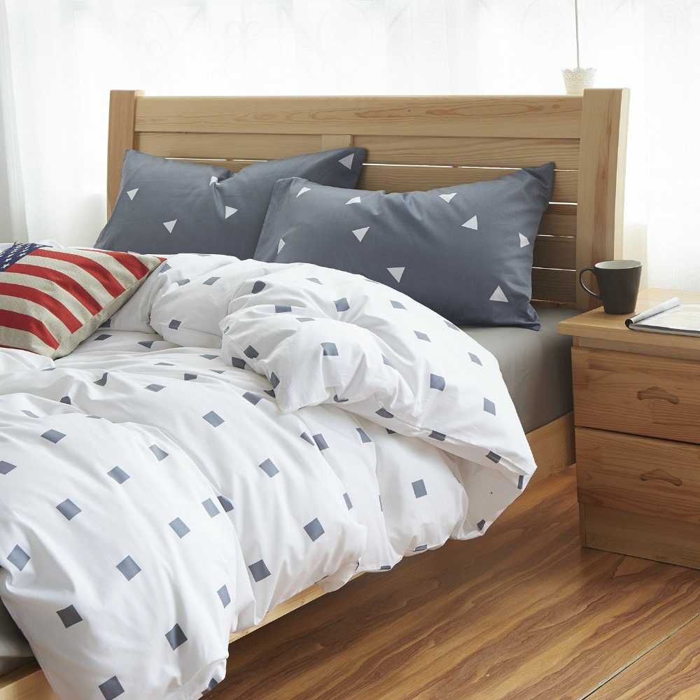 Cotton fashion simple european style cartton plaid twin for Minimalist bed sheets
