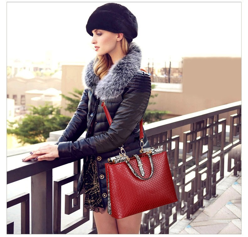 The new 2016 female bag The European and American fashion brand classic handbag shoulder oblique cross bag lady hand bag