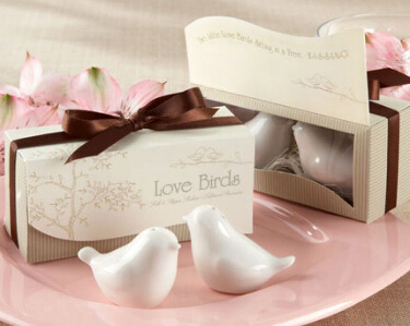 Love Birds in the Window Salt & Pepper Ceramic Shakers Wedding Decoration Party Favors And Gifts Supplies Free Shipping(China (Mainland))