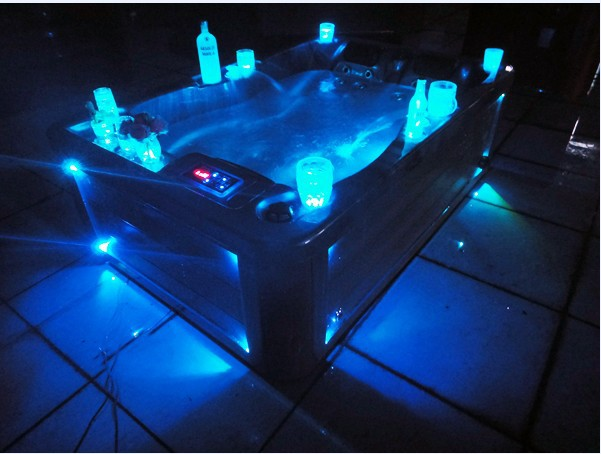 outdoor swimming pool hot tub with led light in bathtubs