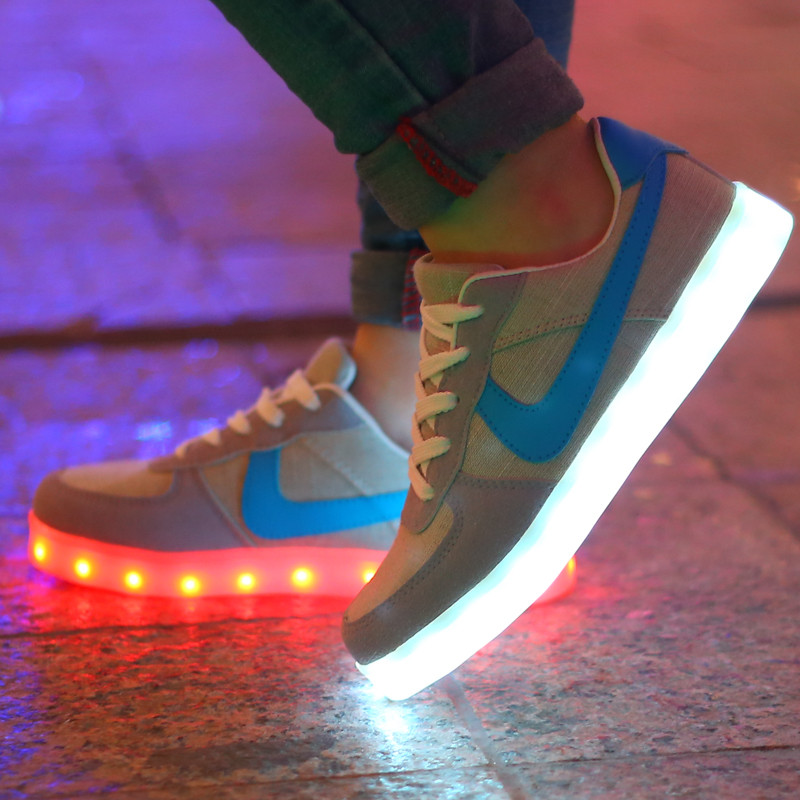 2015 Women Colorful glowing shoes with lights up led luminous shoes a new simulation sole led shoes for adults neon Flat shoes