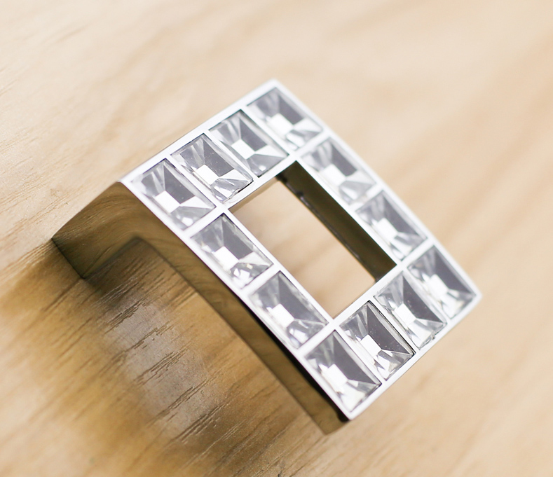 Hole space 32mm Zinc alloy &amp; Crystal dresser handle pull cupboard drawer pull Silver kichen cabinet furniture knobs<br><br>Aliexpress